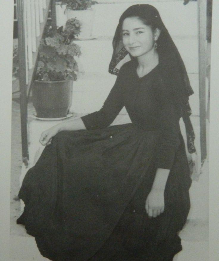 Γυναίκα της Λευκάδας: Η αποθέωση της λεβέντικης κορμοστασιάς.  Εφημερίδα «Ελευθερία» Δεκέμβριο του 1959