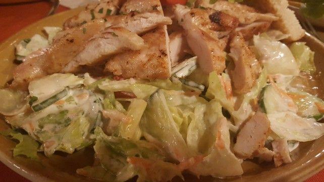 Egy finom Cézár saláta egyszerűen ebédre vagy vacsorára? Cézár saláta egyszerűen Receptek a Mindmegette.hu Recept gyűjteményében!