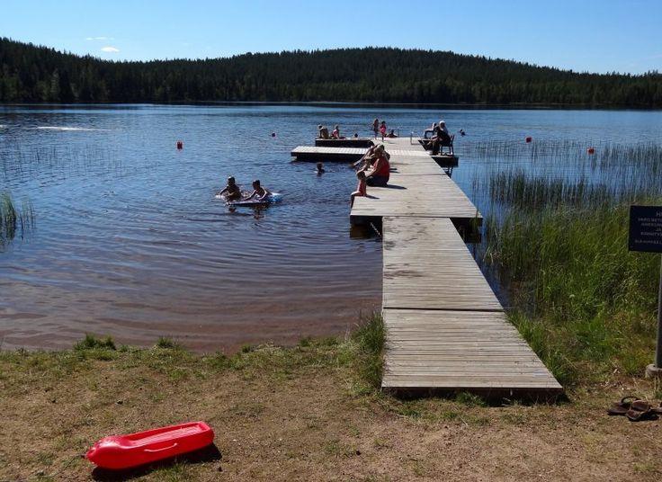 Valkeajärven uimaranta Pellon Ritavaaralla Lapissa