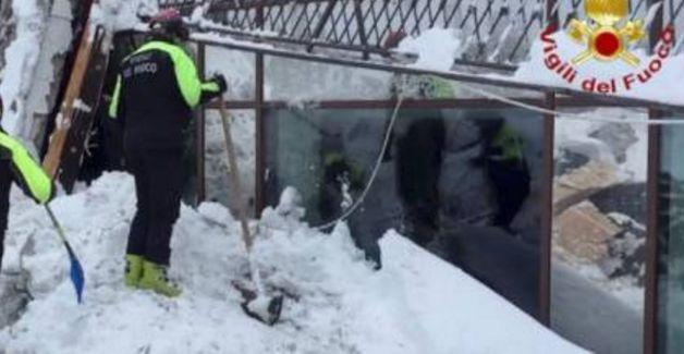 """Angeli della neve, lo sfogo del pompiere: """"Mezzo panino da mangiare. La pipì nella neve, per il resto c'è il bosco"""" - http://www.sostenitori.info/277902-2/277902"""