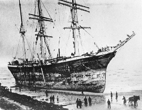 Il ne faut pas confondre ce trois-mâts barque avec un autre trois-mâts barque (n° 2) de 2202 tx JB , type CA, construit en 1901 aux chantiers de la Loire de Saint Nazaire sous le nom de BELEN pour la Compagnie Celtique Maritime. BELEN fut revendu en 1906 à l'armement Balande, de Bordeaux, qui le rebaptisa JEANNE D'ARC puis en 1912 à l'armement Bordes de Dunkerque qui lui conserva ce nom. Le 12 Décembre 1904, BELEN s'était échoué sur la plage de Malo-les-Bains.Il fallut dégréer entièrement…