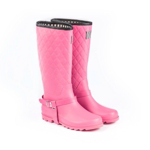 our top quality range of she wear safety work boots have been designed by women. Get womens gum boot ~ hot pink quilted high at best price.