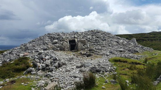 Carrowkeel - Easy hill walk, views and tombs