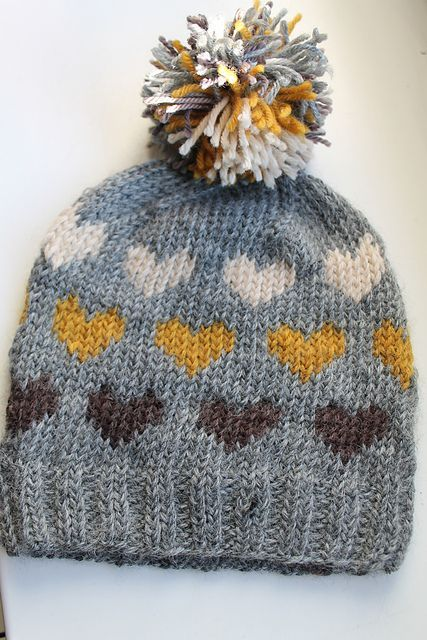 From Norway With Love Hat, Scarf & Mittens - free patterns!