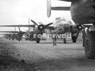 B-25_Foggia_Airfield_Comp_Italy_foggia bombardamento