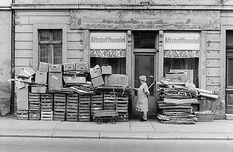 Grüße aus der DDR | Ausstellungsfotos - Tägliche Beschaffungen