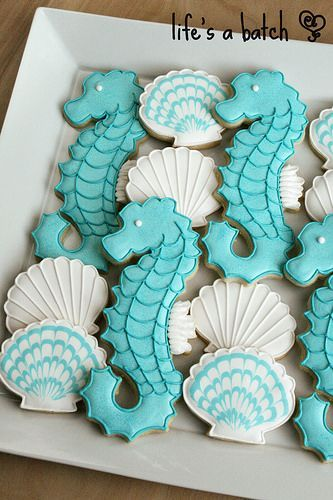 "virtualpaperdolls: ""Seahorse & Seashell cookies. Photo by navygreen on…"