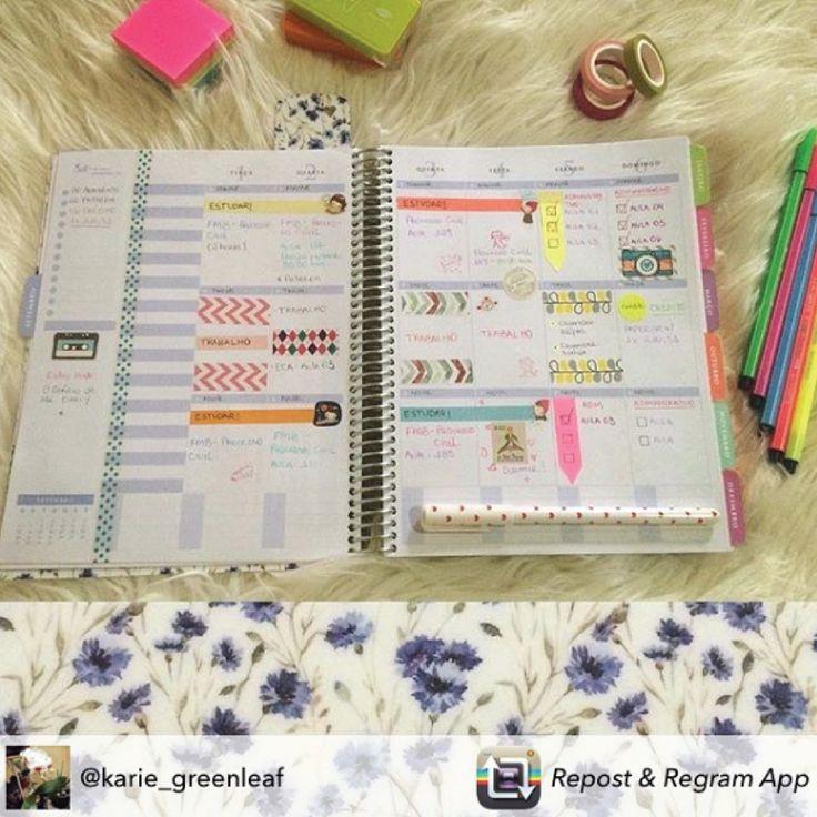 Personalizar e decorar uma página com adesivos, washi tape e canetas coloridas é…
