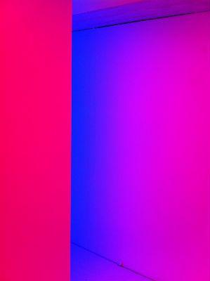 """Carloz Cruz-Diez: Chromosaturation installation at the exhibition """"Mouvements et lumières""""."""