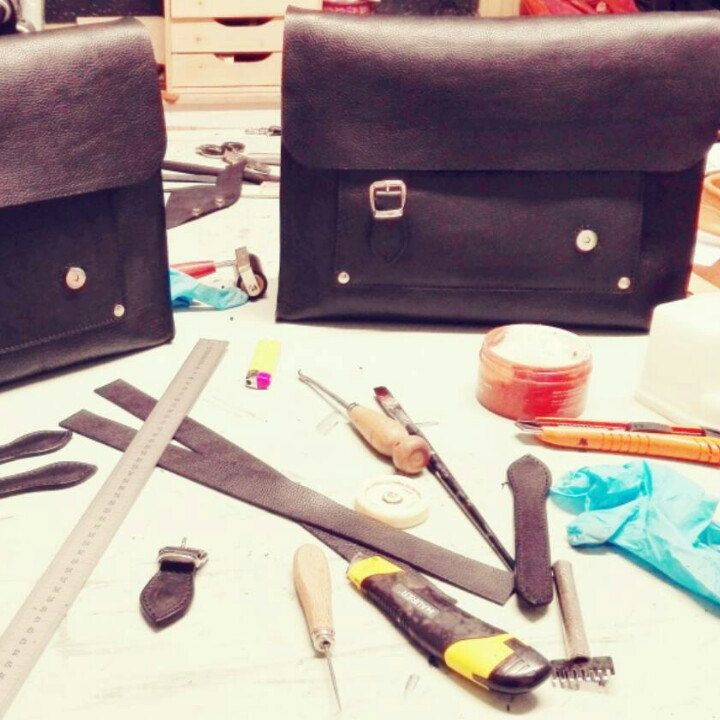 Leather briefcases production!! At work!! El Mato lab!!!