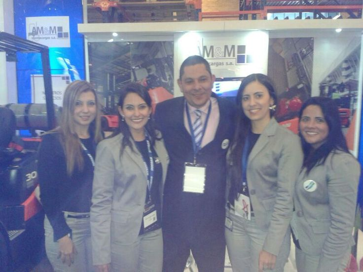 El Equipo de trabajo de Montacargas AMYM en la IX Feria Expologística en Corferias, Bogotá