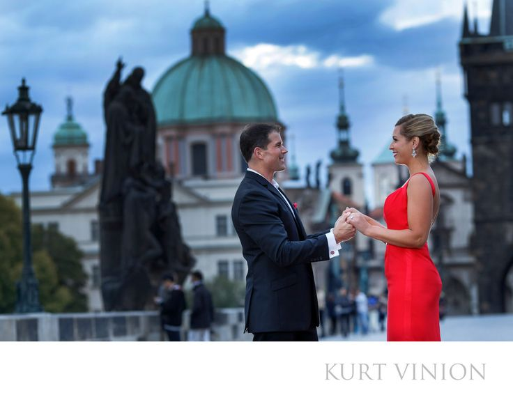 London wedding & Prague pre wedding photographer - L&G celebrating their engagement on the Charles Bridge: L&G romantic wedding proposal on the Charles Bridge. Keywords: Prague Engagement Photography (24).