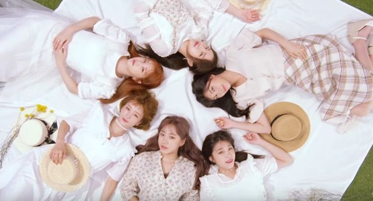 "The girls of Apink are back with another catchy track! Their latest release ""Five"" contains an encouraging message for people who are caught up in their bu"