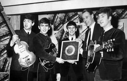 Beatles producer George Martin dies