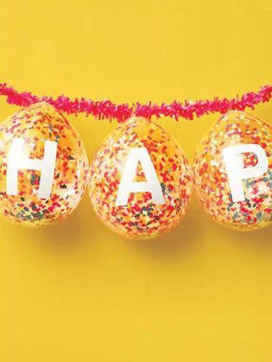 Decoracion de cumpleaños con globos con confeti