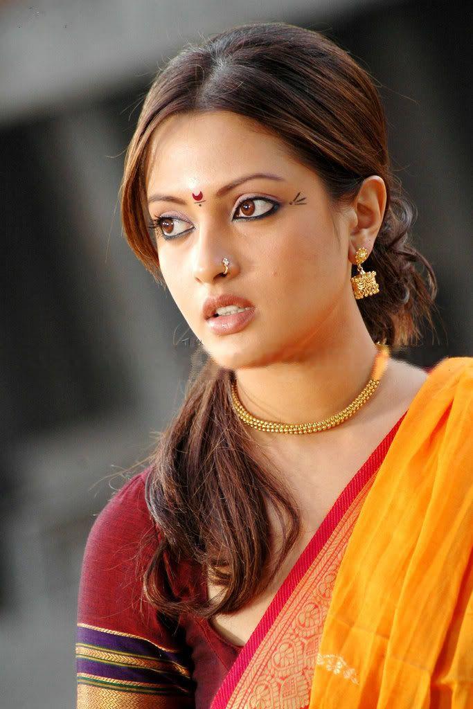 Riya Sen piercings