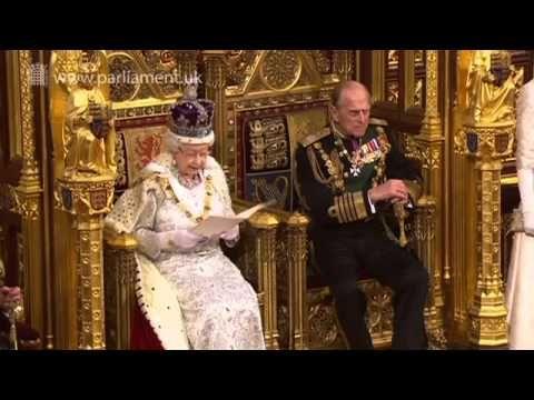 La Regina Elisabetta parla nel corso della cerimonia di apertura del Par...