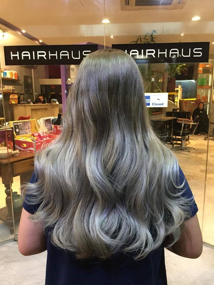 This is a 3-tone balayage (bleached 3 times with olaplex, applied lightbrown, ash grey and streaks of silver grey.   It cost me around $700++ (😱😱😱) once is enough lol but I'm happy with it because my hair wasn't damaged although it was bleached 3 times.  #balayage #longhair #olaplex #asblonde #ashgrey #ashgray #silvergray #silvergrey #colour #singapore