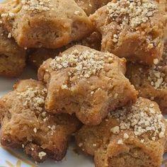 Δοκιμάσαμε τη συνταγή για μελομακάρονα χωρίς ζάχαρη (μόνο με μέλι) και σας μεταφέρουμε την εμπειρία μας. Άξιζε για να το δοκιμάσετε κι εσείς;