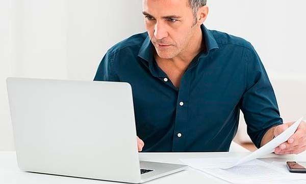 El 74 por cierto de los internautas se descarga de internet archivos maliciosos sin saberlo Tomado de: http://www.di.sld.cu/?p=10835 Es probable que no te hayas dado cuenta pero seguro que en más de una ocasión te has descargado de internet archivos que han puesto en peligro no sólo tu ordenador, sino también tu seguridad. Kaspersky Lab ha llevado a cabo un test sobre hábitos online a lo largo de este año. En él han […]