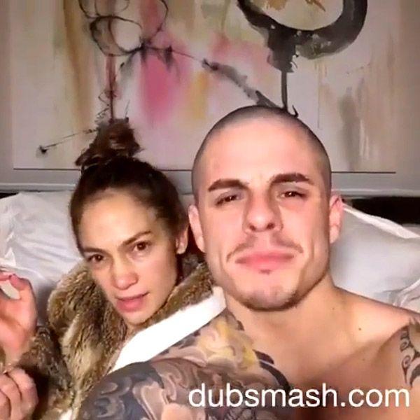Jennifer Lopez Goes Completely Makeup Free in Hilarious Dubsmash Video with Casper Smart http://stylenews.peoplestylewatch.com/2016/02/03/jennifer-lopez-makeup-free-dubsmash-casper-smart/