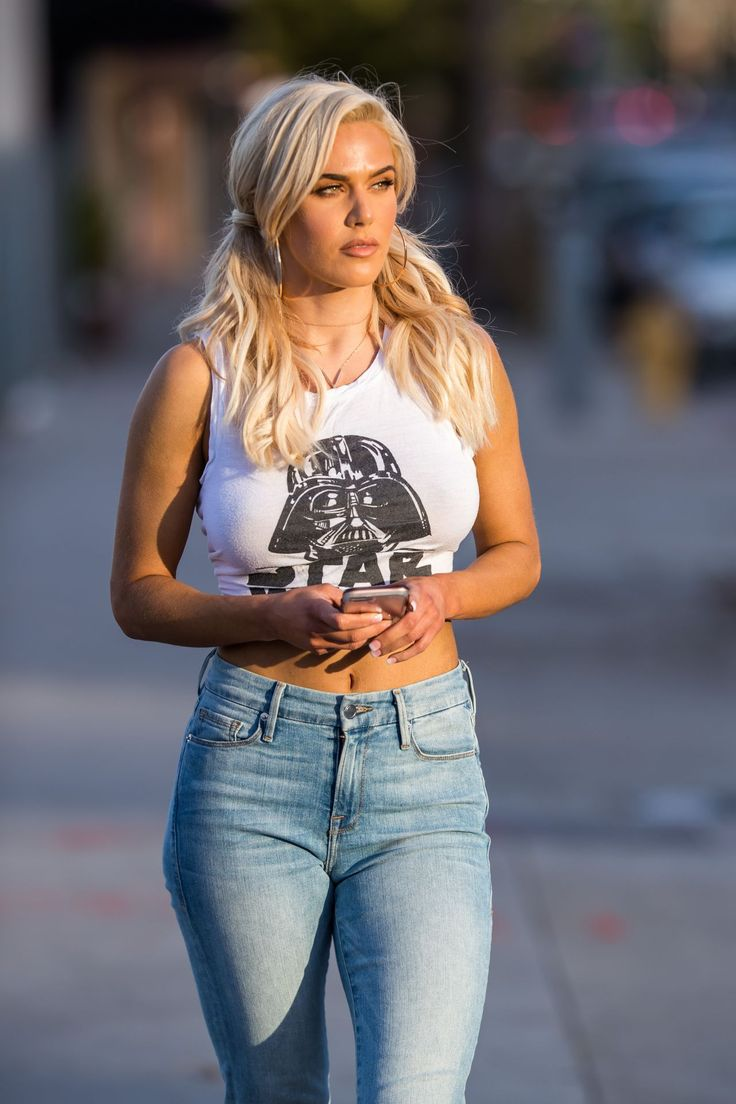 Lana (CJ Perry) in Tight Star Wars Tee and Jeans in Los Angeles http://ift.tt/2BtjQw7