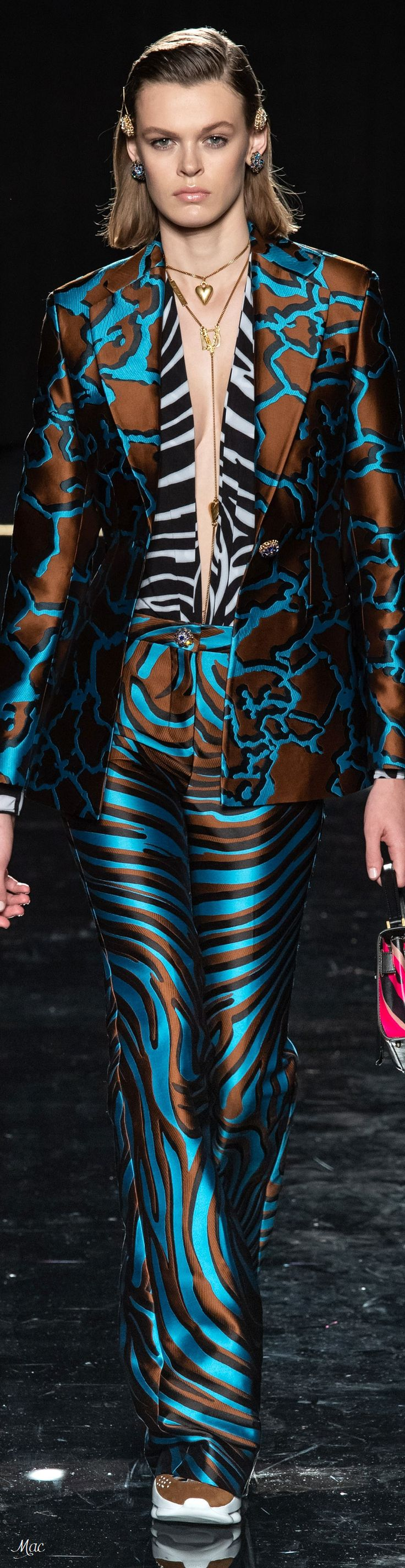 Pre-Fall 2019 Versace