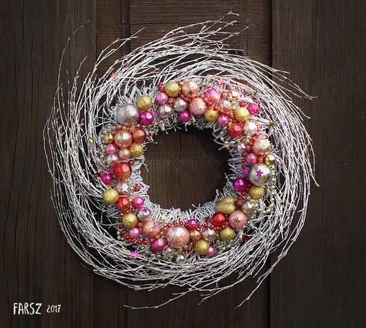Bling! Bling! wreath, christmas, christmas wreath, natural, red, pink, gold, ornaments, glitter, sparkling, glass ball, ball, christmass glass ball