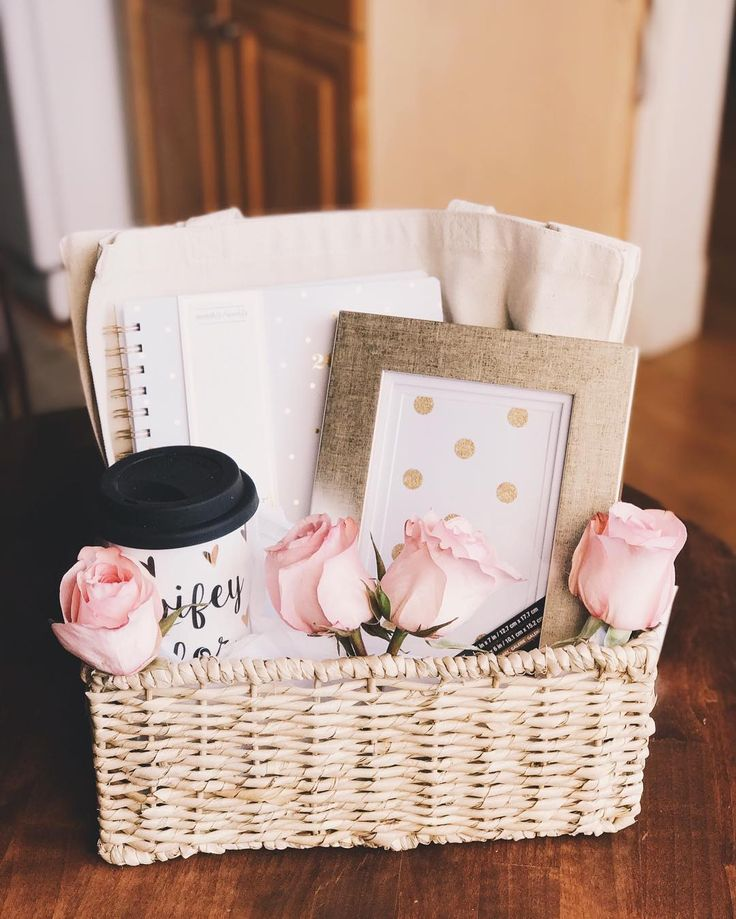 Put together an engagement gift for your best friend who just said YES! | Photo by nicole_da101