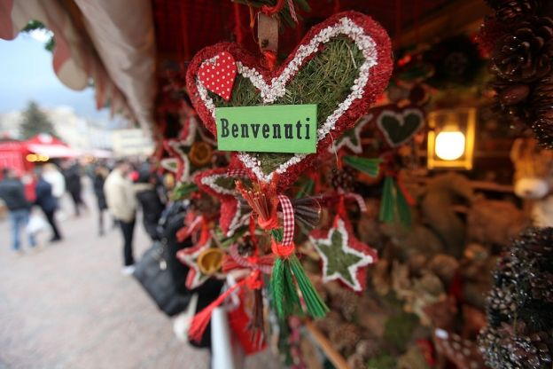 Buying Handmade in Italy: Christmas Carving in Trentino | ITALY Magazine