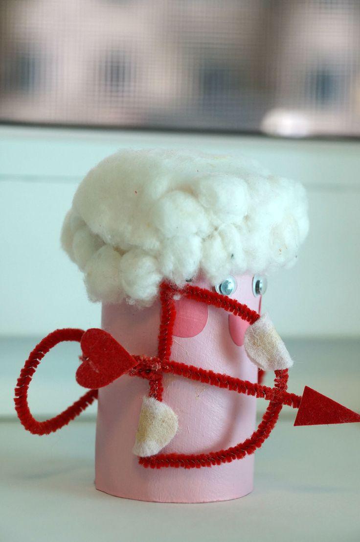 """Детская поделка своими руками """"Купидон"""". Подарок на День Святого Валентина."""