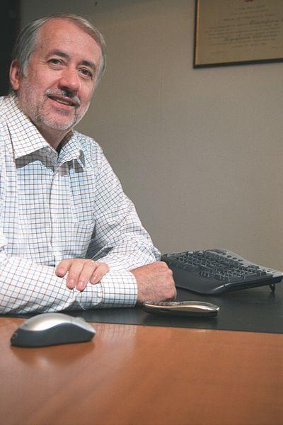 Leonardo Chiariglione (Almese, 30 gennaio 1943) Inventore dell'MP3 Leonardo Chiariglione (Almese, January 30, 1943) Inventor of the MP3