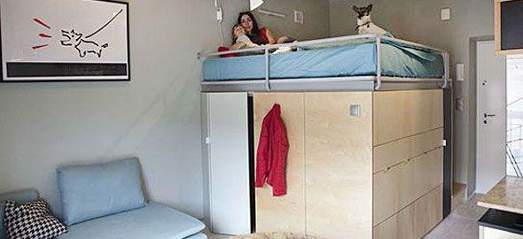 Μια μαμά, ο γιος της και ο σκύλος τους ζουν σε ένα διαμέρισμα μόλις 25 τετραγωνικών μέτρων! Δείτε στις φωτογραφίες πώς έχουν εκμεταλλευτεί κάθε εκατοστό του.