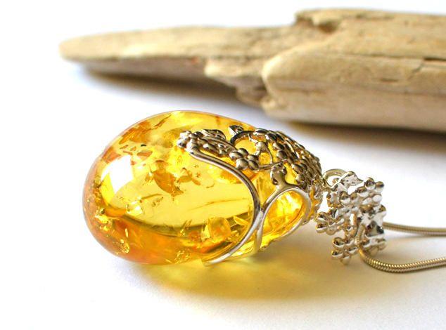 Luxurious amber pendant, royal amber jewelry, natural amber pendant, unique amber, Baltic amber, natural gift, amber stone pendant by KARUBA on Etsy