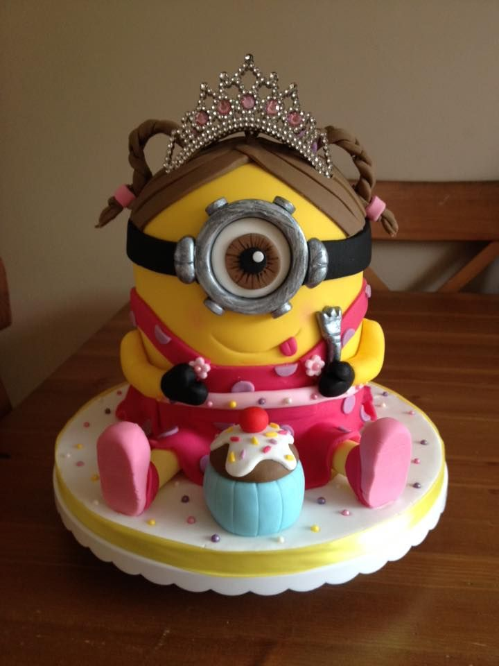 Do You Want To Make Minion Cakes We Have A Simple Cake Tutorial As Well Our Members For Design Inspiration Happy Making