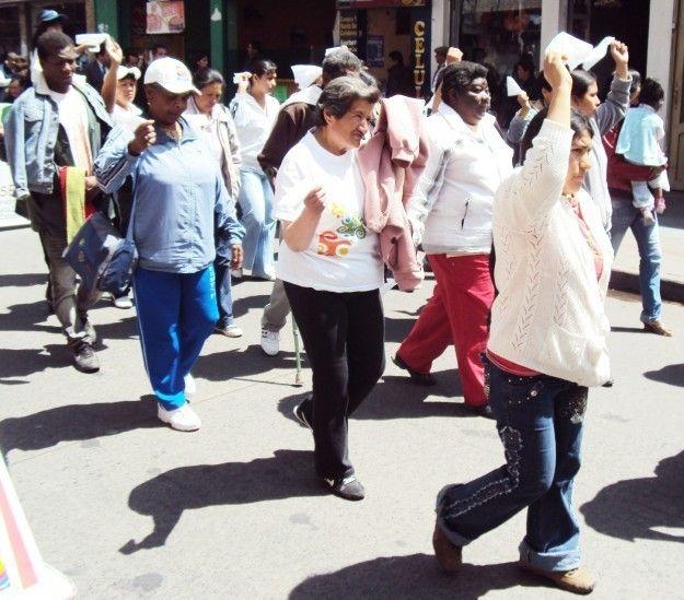 """IPIALES """"Con marcha conmemoran Día de la mujer en Ipiales"""". Para hoy se tiene prevista una marcha desde el parque Santander y hasta 'La Pola'. Las autoridades invitaron a las mujeres. (Diario del Sur - 8 Mar 2016)"""