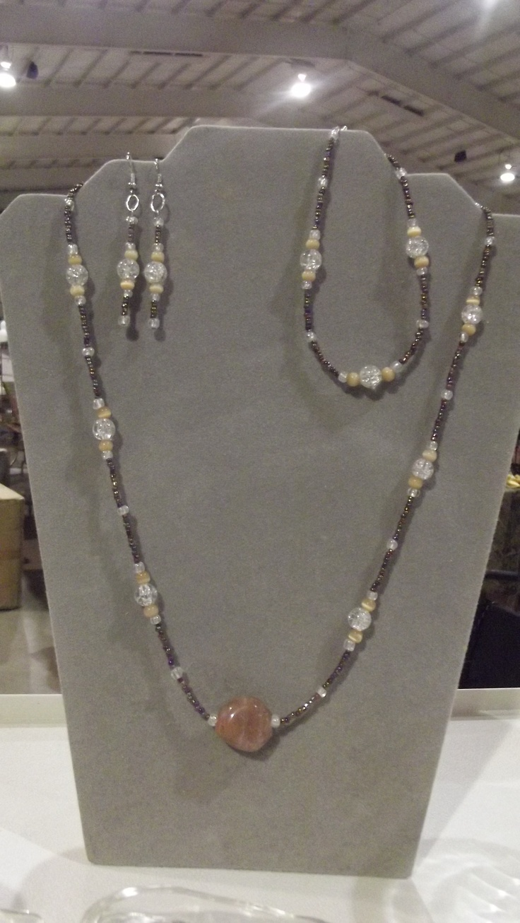 Earthtone Necklace, Bracelet and Earrings--$10