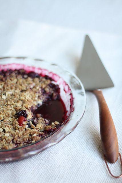 Blackberry and Nectarine Crisp | The Flourishing Foodie