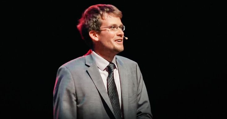 Some of us learn best in the classroom, and some of us ... well, we don't. But we still love to learn -- we just need to find the way that works for us. In this charming, personal talk, author John Green shares the community of learning that he found in online video.