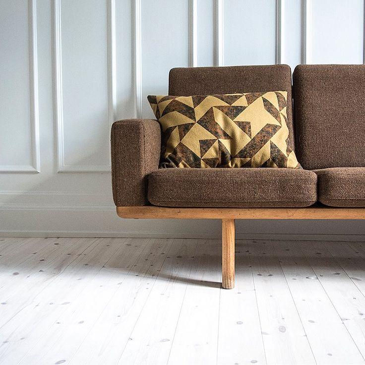 COR cushion in yellow #cushion #pillow #pude #livingroom #interior #interiordecor