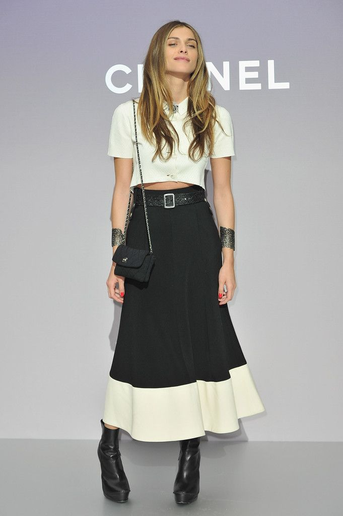 Elisa Sednaoui Photos - Chanel: Photocall - Paris Fashion Week Womenswear Fall/Winter 2012 - Zimbio