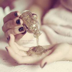 Per un matrimonio scintillante, non può mancare il glitter! #princess #wedding #glitter