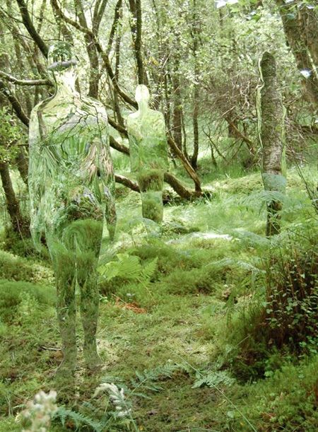 Amazing mirrored sculptures of humans and animals created by talented Scottish artist Rob Mulholland.  Mirrored life-size figures blend into surrounding environment and reflect the constant flux of movement day by day.