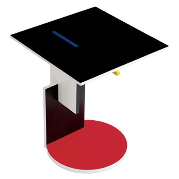 Schröder 1 by Gerrit Rietveld, Tavolino in legno con piano in faggio tinto nero e parti laccate nei colori rosso, bianco, blu e giallo, prodotto da Cassina dal 1981, 1923
