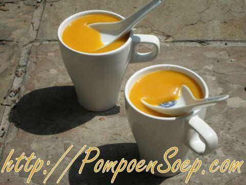 Kies uit de lekkerste 5 pompoensoep recepten van Jeroen Meus, zodat je zal genieten van een goei kom stevige soep om je goed op te warmen tijdens de winter.
