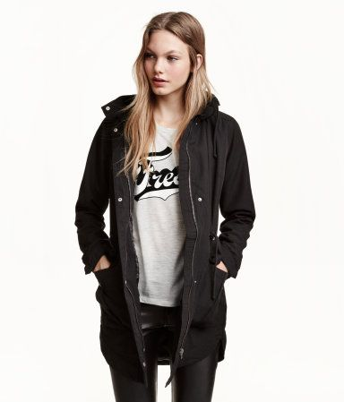 Lightly padded parka with a lined drawstring hood. Features a drawstring waist & quilted lining.    H&M Divided