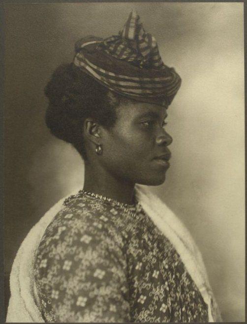 ragazza originaria di Guadalupe (1911)