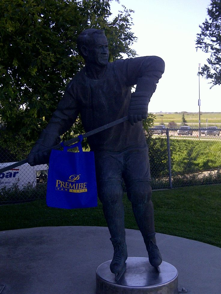 Bobby Orr proudly posing with his Blue Bag