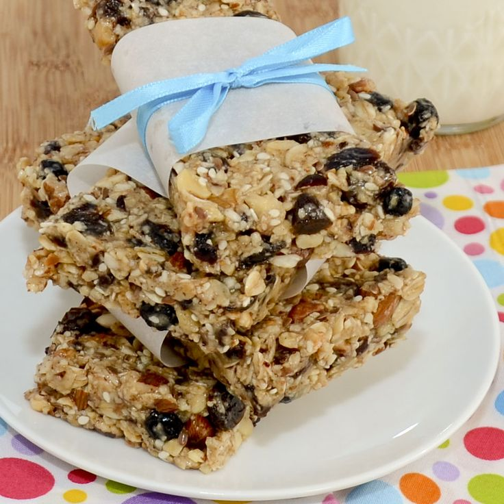 Homemade Thick and Chewy Granola Bars. http://sweetpeaskitchen.com/2012/07/homemade-thick-and-chewy-granola-bars/