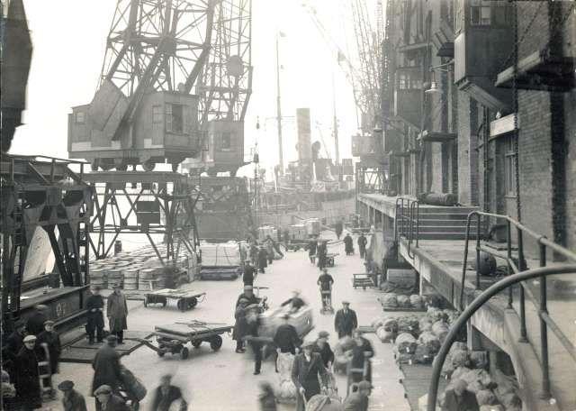 Chamberlain's Wharf, Bermondsey, 1938